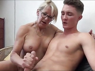 mature blonde Mature MILF Seduces and Fucks her 18yo Stepson with Bick coc