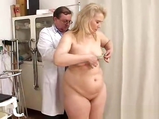 fetish medical Blondhaired chubby milf explored by cunt doctor