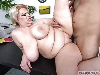tits bbw Tiffany Blake - The Boss Needs Services