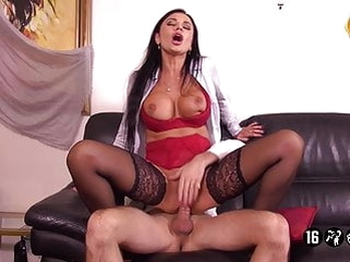 hardcore anal Ania Patrone De L'agence Immobiliere